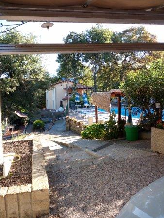 La Rocca Residence di Ragni Mauro: piscina e reception