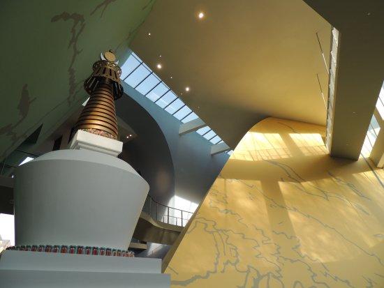 Musée Hergé : Vaisseau moderne, spacieux et lumineux
