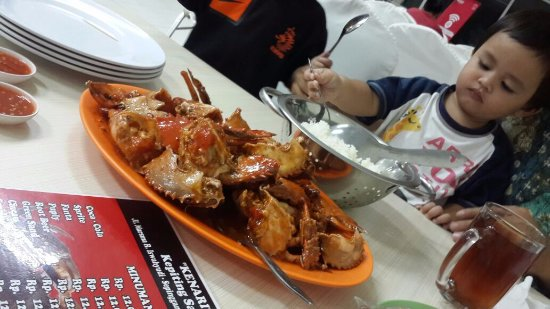 Kepiting Kenari: dinner with my family, even my baby loved it