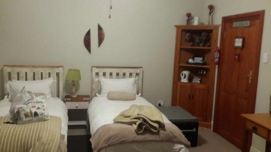 Piketberg, South Africa: No Couch, Microwave or fridge in the room