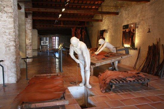 Museo de la Piel de Igualada (Museu de la Pell d'Igualada): Cal Granotes Adoberia del segle XVIII