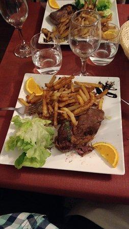 Saint-Martin-Lalande, France: Bon repas