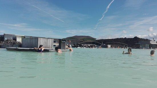 Grindavik, Islandia: Piscina caliente