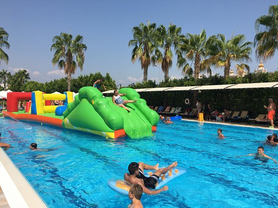 PrimaSol Hane Family Resort Photo