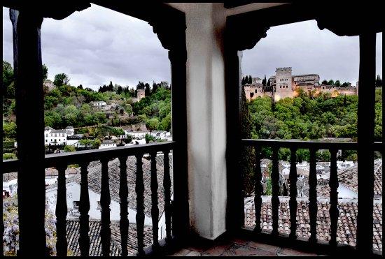 Mirador de Morayma: Hermoso torreón mirador con vistas espectaculares de la Alhambra