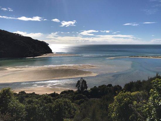 Abel Tasman Coast Track: panorama prima di arrivare all'Awaroa Hut
