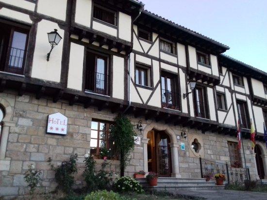 Antiguas Eras La Alberca: Fachada y Entrada al hotel