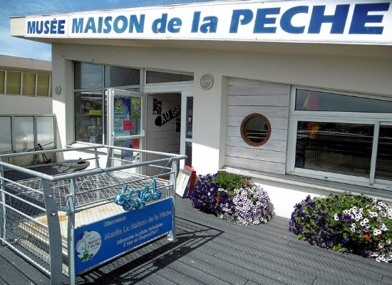 La Turballe, France: Entrée du musée, situé au dessus de la criée