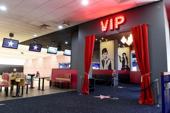Wolverhampton, UK: VIP lanes at Hollywood Bowl Bentley Bridge