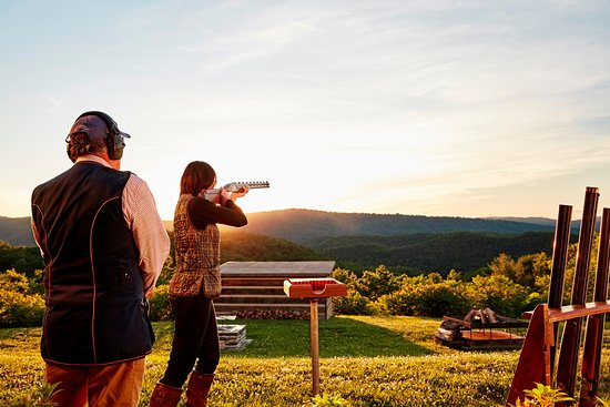 Hot Springs, Wirginia: The historic Shooting Club offers trap, skeet, five-stand and sporting clays.