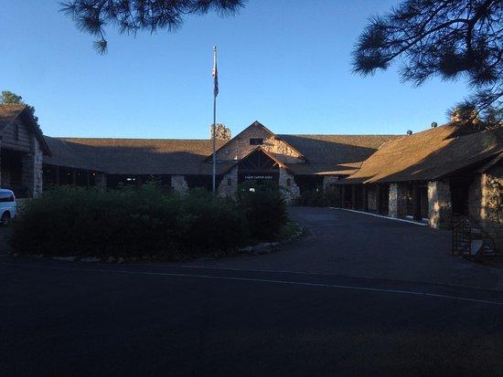 Grand Canyon Lodge - North Rim: Main Entrance of the Hotel