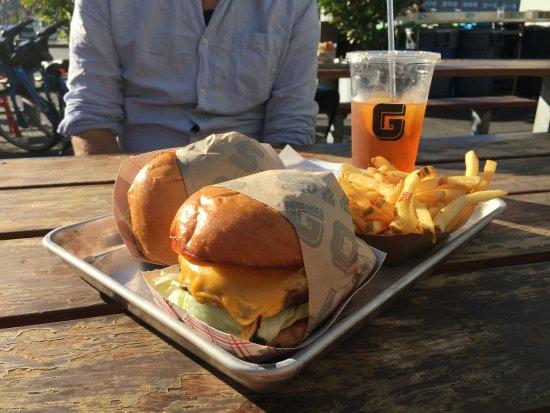 Gott's Roadside: Great burgers!