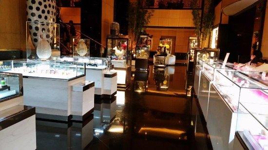 Hotel Mulia Senayan, Jakarta: Chocolate Boutique G floor