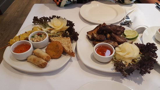 Sandbach, UK: Starters - a platter for one and a portion of ribs