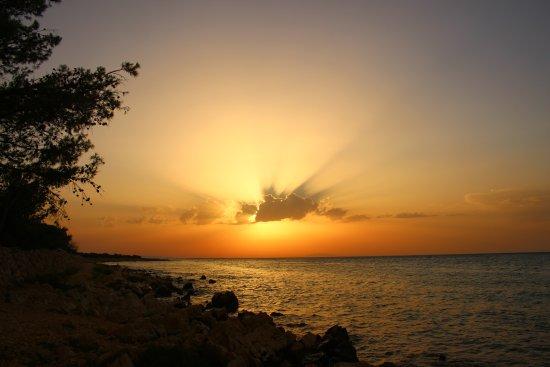 Mandre, Croatie : Krásný západ slunce při návštěvě této restaurace...