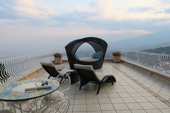 photo8.jpg - Picture of Villa Le Terrazze Charming Rooms, Taormina ...