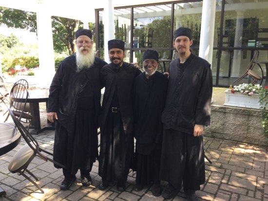 Hellenic Kouzina: Well fed monks.