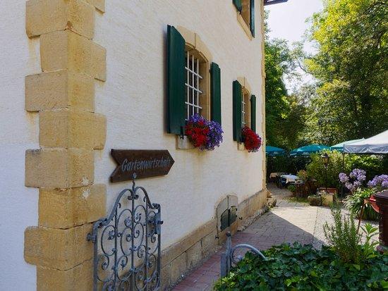 Efringen-Kirchen, Deutschland: Blick in Richtung Gartenrestaurant