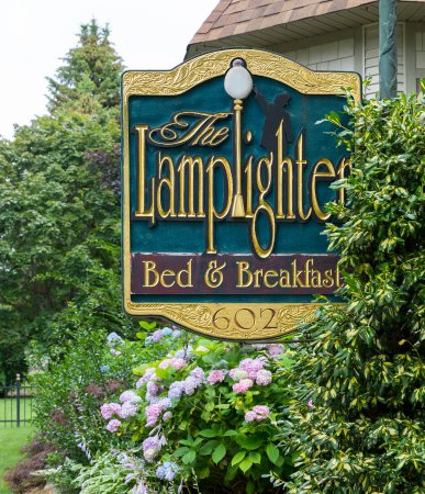 The Lamplighter Bed U0026 Breakfast   Old World Charm On The Lake Michigan  Coast!