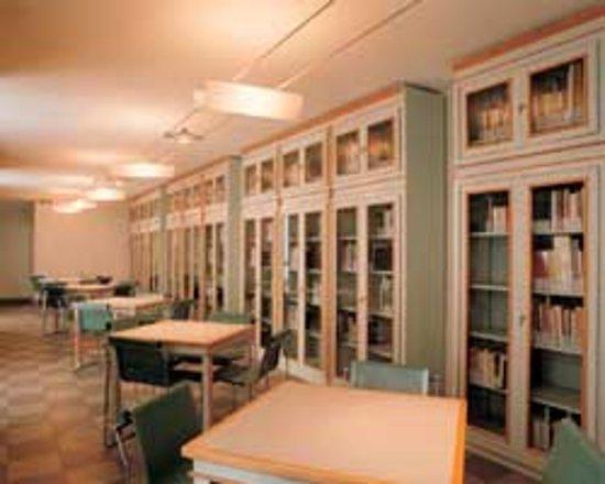 Biblioteca Civica Carlo Negroni