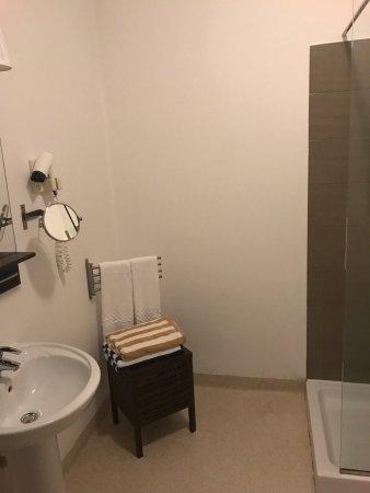 Park Lane Aparthotel: Vista in strada dalla camera, piscina, vista tetto, camera da letto, zona giorno, cucina e bagno