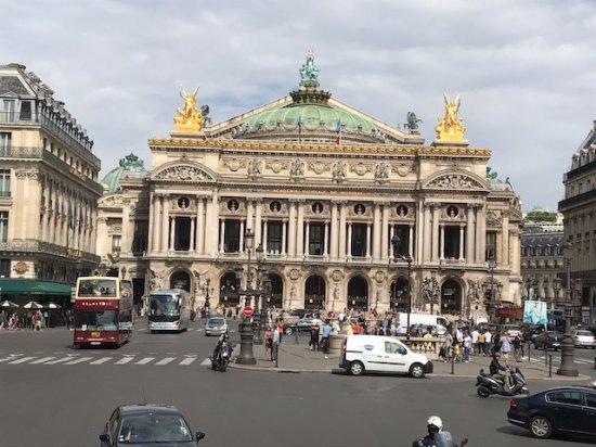 Opera district: Opera house