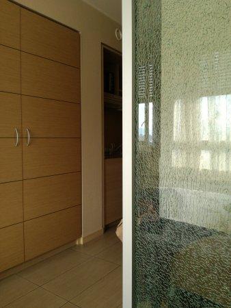 Starling Residence Geneve: TA_IMG_20170824_184246_large.jpg