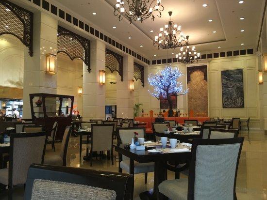 Sofitel Phnom Penh Phokeethra: Petit déjeuner à 6h du matin