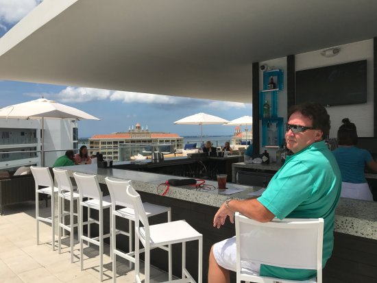 Pool Bar Lite Eats Picture Of The Westin Sarasota