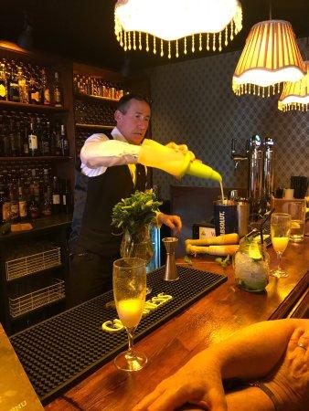 The Central Bar and Restaurant: photo0.jpg