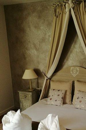 Dieffenthal, França: La chambre(n°2)au rez-de-chaussée,entièrement rénovée (avec goût)