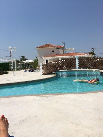 Venus Hotel & Suites: Love the new adult pool & wedding pavilion