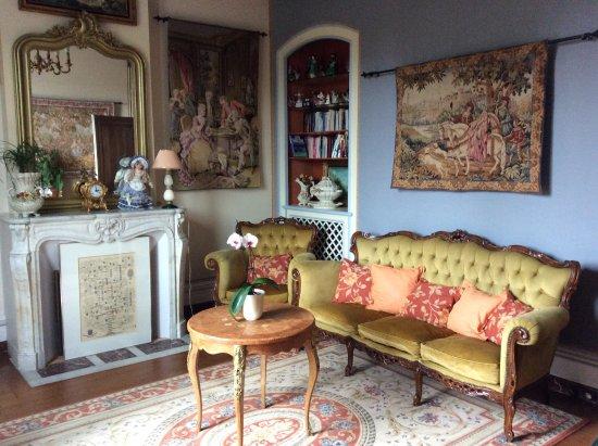 La Maison de l'Argentier du Roy: The Salon