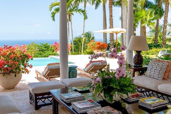 Tryall Club: Point of View veranda living