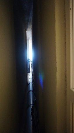 Raymond Blue Hotel: its a sunshine! room 108