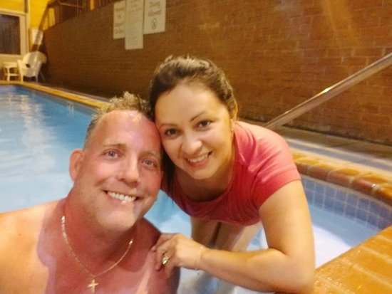 Clarion Inn Harpers Ferry: Beautiful indoor pool & fun with the family and our room offered us deer and rainbows!!! Unbelie