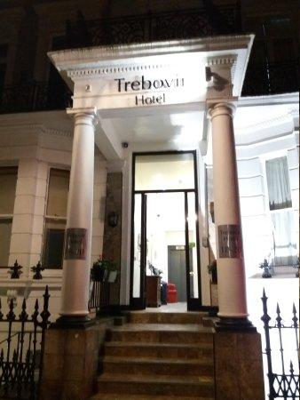 Trebovir Hotel: 20170824_212058_large.jpg