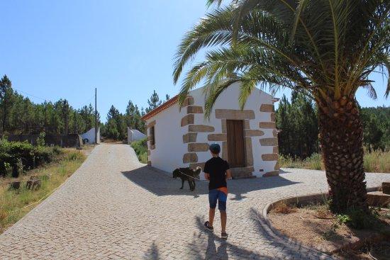 Sao Vicente da Beira, Portugalia: A passear o cão da casa, o Soba
