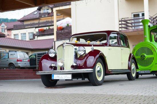 Hotel Stok: samochod ktorym jechalismy do kosciola z hotelu Stok
