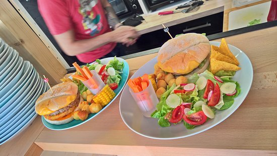 High five burger tours restaurant avis num ro de for Salon rochepinard tours