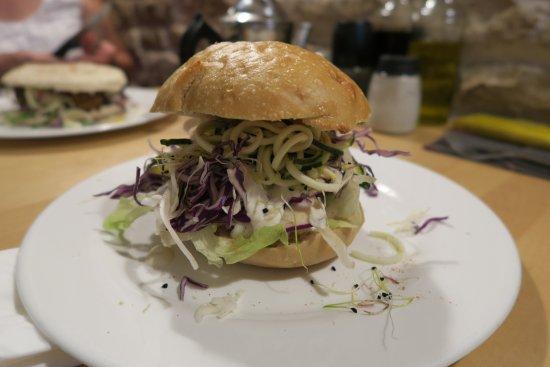 Le Shanti : Burger Bombay