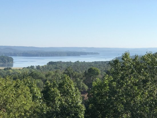 Dream Ranch - Day Hunts: Photos of Dream Ranch, Guntersville AL from a quilt retreat held there in August