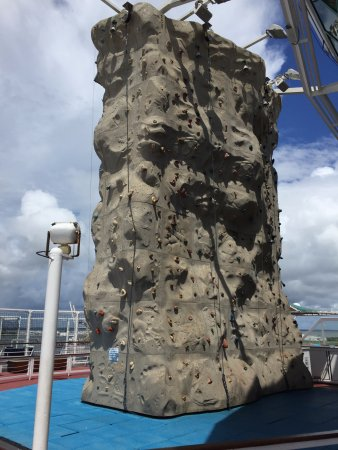 Port Canaveral, FL: Rock climbing wall