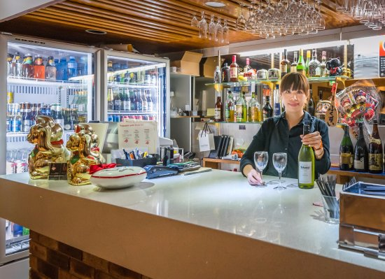 Warners Bay Hotel Restaurant