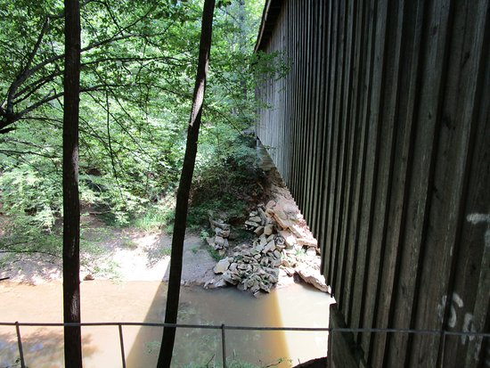 Claremont, NC: Side view of bridge over creek