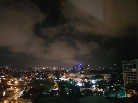 Renaissance Caracas La Castellana Hotel: TA_IMG_20170824_203513_large.jpg