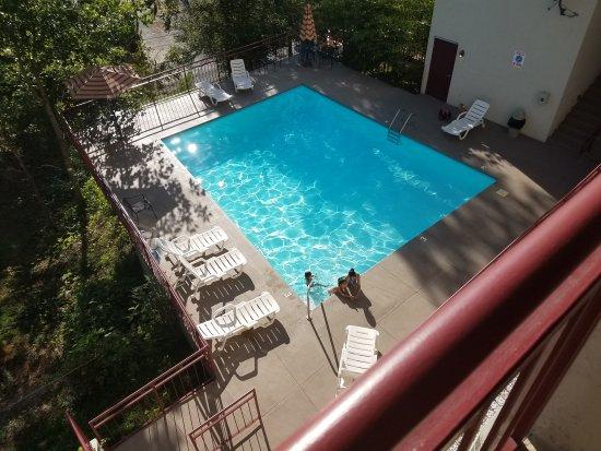 Laurel Inn Condominiums: 20170805_182057_large.jpg
