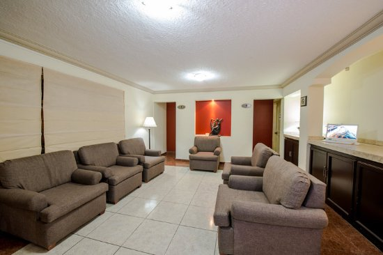 Del Marques Hotel & Suites: Lobby