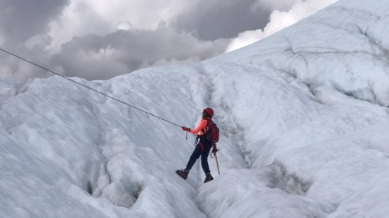 Glacier View, AK: Traversing the crevasses