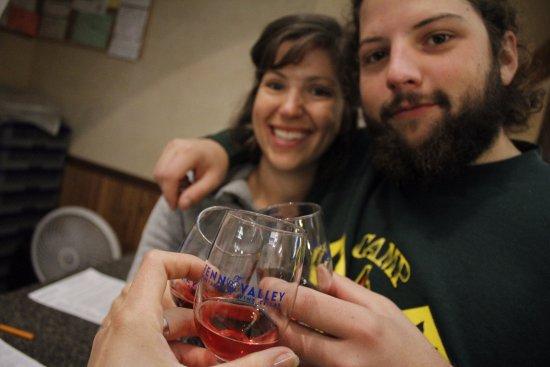 Saugatuck, MI: Tasting Wine at Fenn Valley!